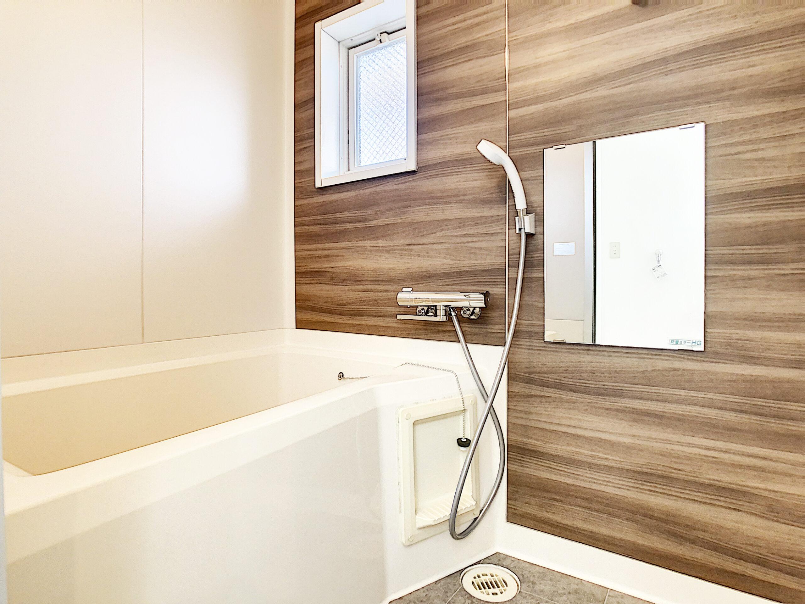 お風呂はシックなデザインです♪