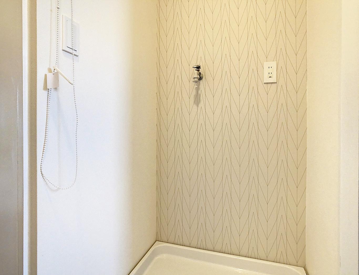 シンプルな矢羽根模様は洗面室にもよく合う!